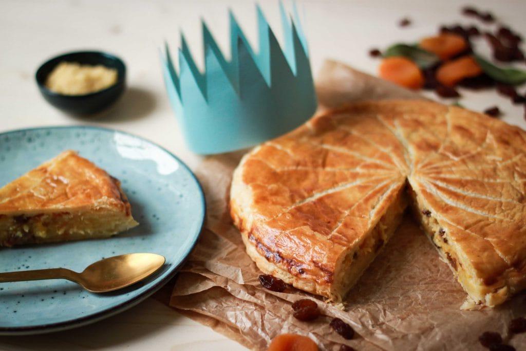 CapucineDinochau-Bigout-photographe culinaire-Lyon-galette rois fruits secs couronne