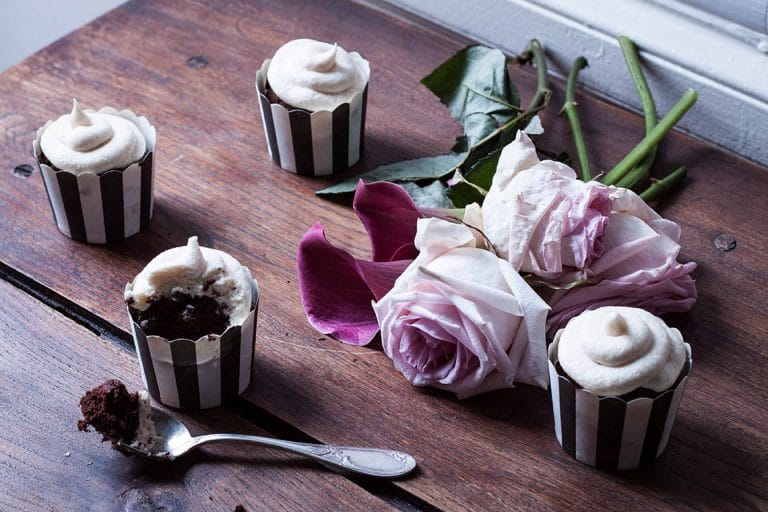 CapucineDinochau-Bigout-photographe culinaire-Lyon-cupcake st patrick chocolat biere whisky