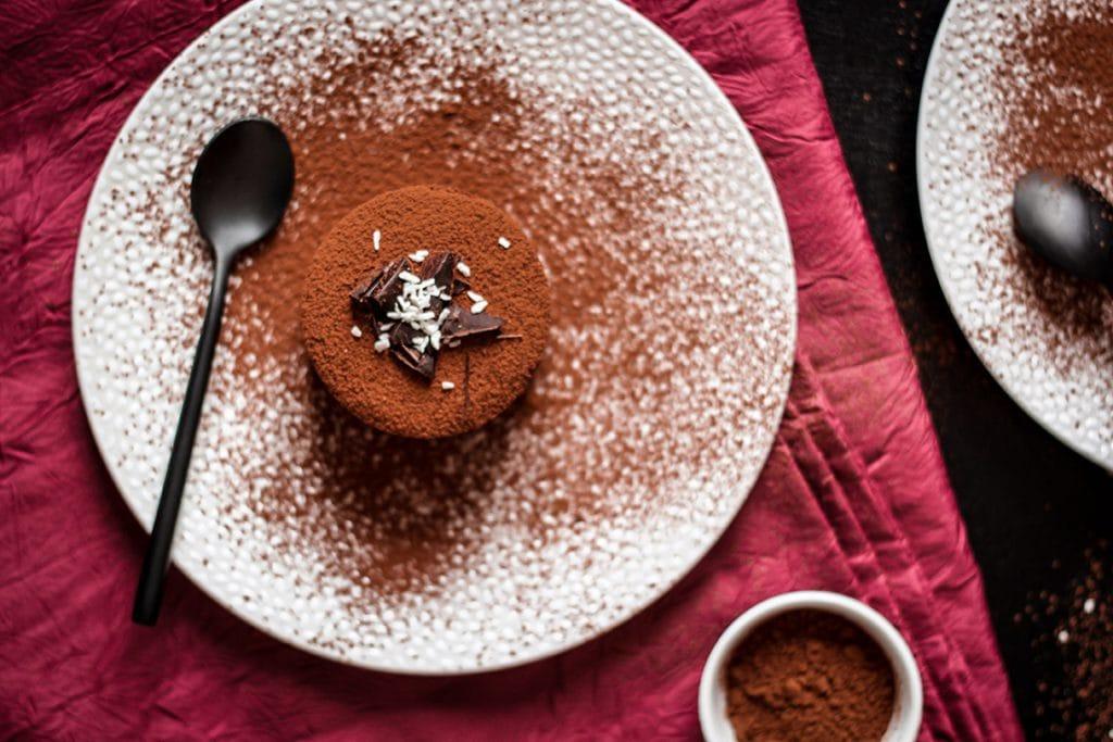 CapucineDinochau-Bigout-photographe culinaire-Lyon-entremet chocolat poire pain epices
