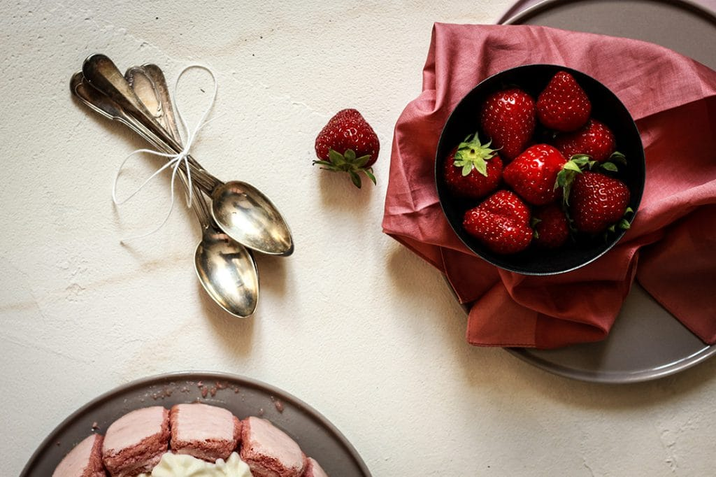 Bigoût Photographe culinaire background fraisier