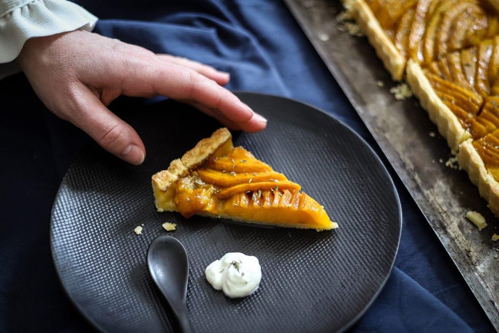 CapucineDinochau-Bigout-photographe culinaire-Lyon-recette de tarte à la mangue et au thym
