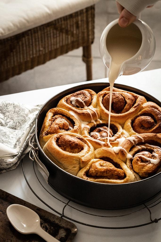 CapucineDinochau-Bigout-photographe culinaire-Lyon-recette de cinnamon rolls, brioche à la cannelle